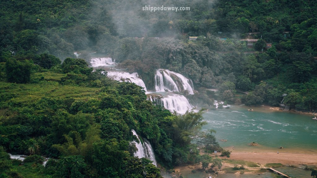 The view of Ban Gioc waterfall from Phat Tich Truc Lam Ban Gioc Pagoda