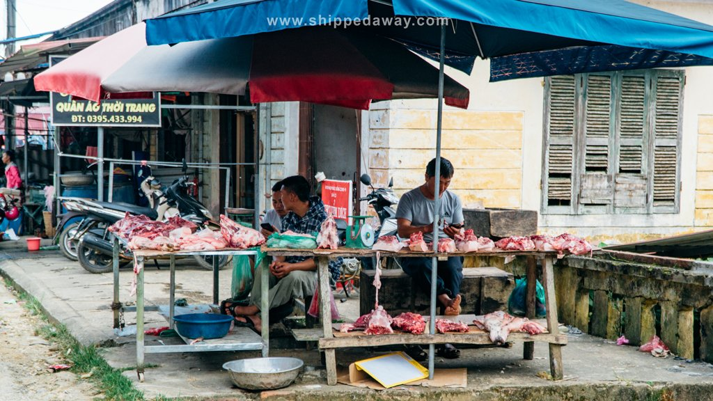 Locals selling meat at Pa Co Market