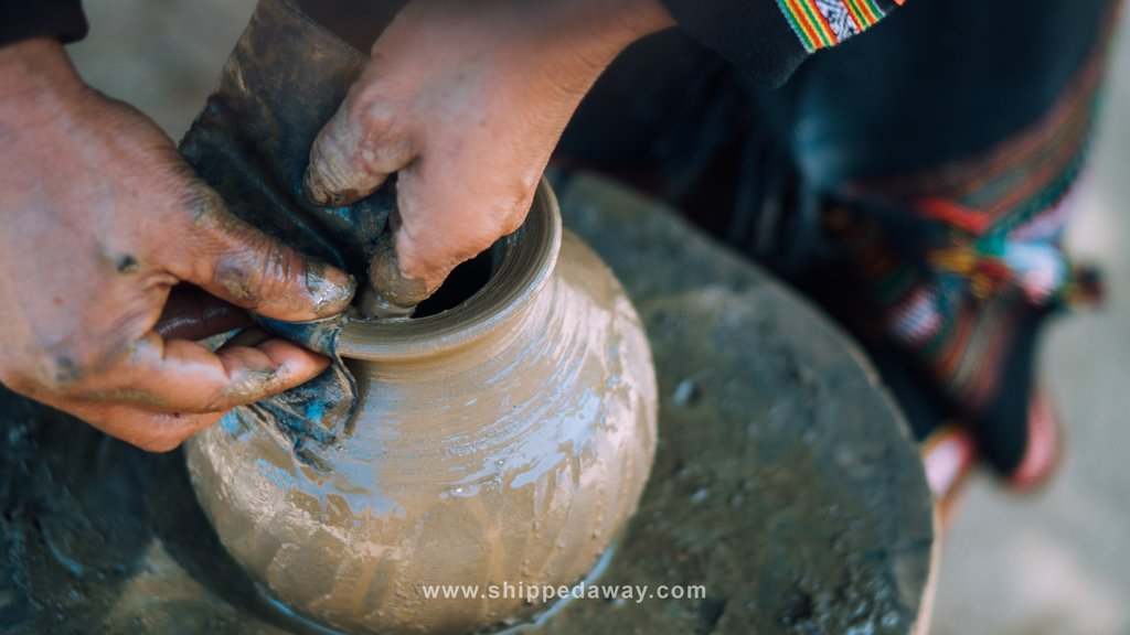 Making pottery without pottery wheel in Dak Lak