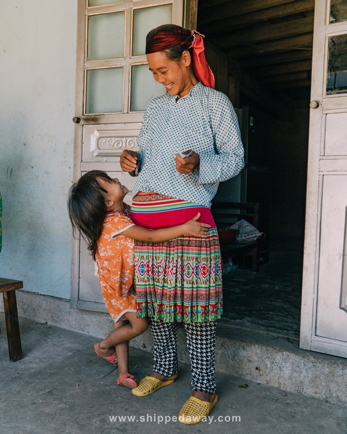 Girl and her mother in Du Gia in Ha Giang province