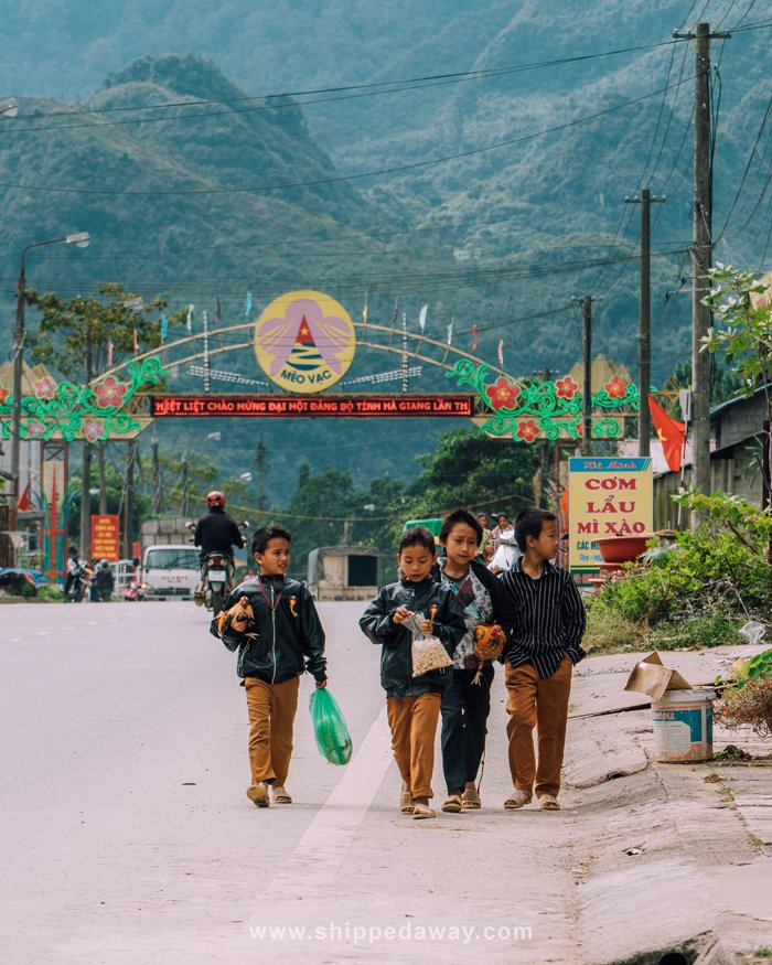 Sunday local market in Meo Vac, Ha Giang